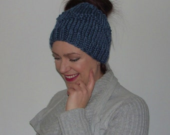 Hand Knit Messy Bun Hat~High Pony Tail Hat~Hand Knit Hat~Messy Bun Hat~Wool Blend Messy Bun Hat~Unisex Messy Bun Hat
