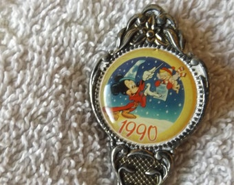 "Collector Souvenir Spoon Disney Mickey Mouse silverplated 1990 4 3/4""  SP242"