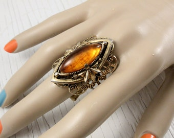 Vintage Size 9 or 10 Gold Tone and Faux Amber Ring (retro 70s 60s filigree adjustable large big statement plastic pretty metal cabachon)