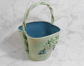 Ceramic flower vase - Hummingbird basket vase - hummingbird planter - green ceramic vase - ceramic flower pot  V73