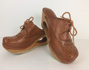 Vintage 1970's Connie Leather and Wood Clogs Size 6M