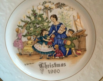 Royal Worcester Christmas Morning plate 1980 No 2 in a series of 4