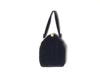 Black velvet purse, 1940s purse, 1940s bag,  velvet bag, vintage 40s purse, vintage 1940s purse