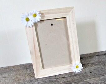 Daisy Picture Frame 4x6, Wood Photo Frame, Daisy Home Decor, Daisy Wedding Picture Frame, Daisy Party Decor, Daisy Decoration, Daisy Gift