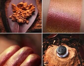 Eyeshadow: Sun Warrior- Nomad. Orange-gold satin eyeshadow by SIGIL inspired.