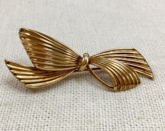 Vintage Tiffany & Co 14K Gold  Bow Brooch/Pin, Made In Germany