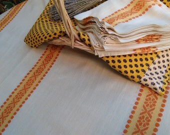Long Vintage Tablecloth and 10 Matching Napkins Off White with Orange Braids Folk Dralon Woven #sophieladydeparis