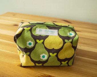 Pears boxy zip bag-Large
