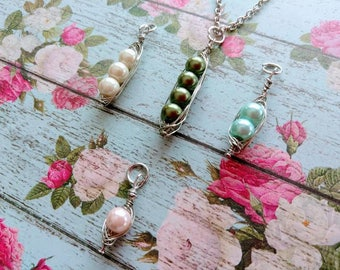 Peas in a pod necklace - Mother's day Jewelry - Mom necklace - Silver wire
