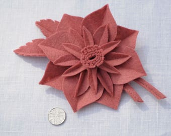 1940s wartime make do and mend style flower corsage brooch in Dusky Rose