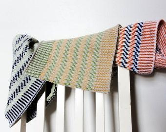 PDF Knitting Pattern - Zig Zag Colourwork Cowl tube scarf