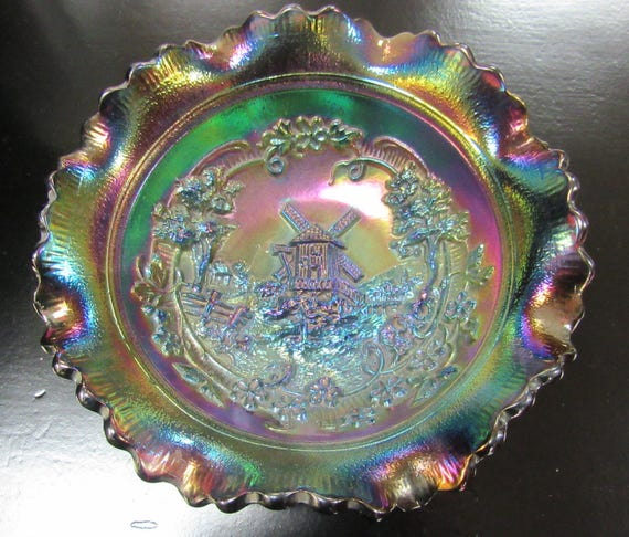 Carnival Glass Bowl with windmill design