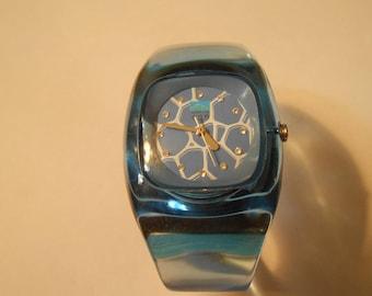 ladies WATER CUBE bracelet watch