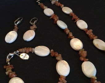 """Amber Quartz and Shell Bead 20"""" Necklace, Bracelet and Earring Set"""