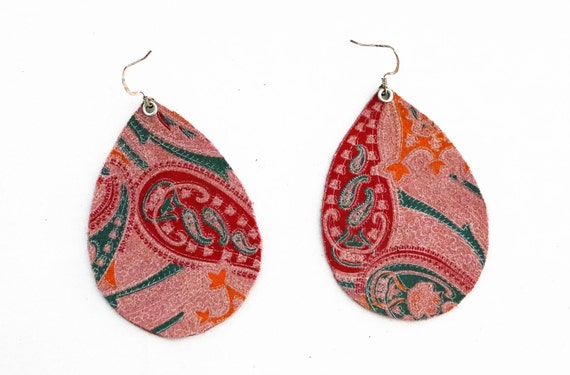 Teardrop Earrings Large - Lightweight leather earrings - Dangle Earring - Drop earring -Pink teardrop earrings with a colorful paisley print