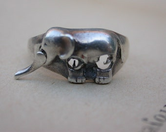 French vintage art deco sterling silver elephant figurine solid silver articulated  nose heavy solid silver unisex  ring size 8 animal