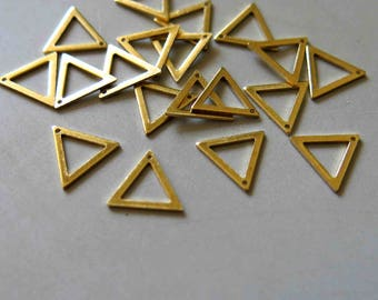 200pcs Raw Brass Triangle Charms, Pendants 8mmx9mm - F526