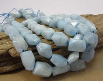 Blue Aquamarine Faceted Nuggets, 16 inch Strand Aquamarine Beads, Aquamarine Gemstone Beads, Item 1233gss