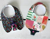 Baby Girl Binky Bib in Ri...