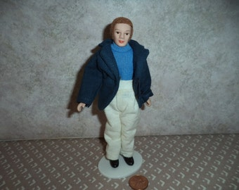 1:12 scale Dollhouse Miniature Modern Man doll