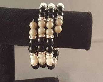 Black and gray beaded memory wire bracelet