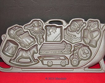 Cast Iron Sleigh Cookie or Gingerbread Mold 1985 John Wright American Made