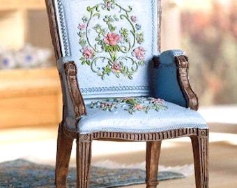 Beautiful vintage armchair GEORGE III for BJD dolls Lati white dolls diorama dollhouse furniture 1:12