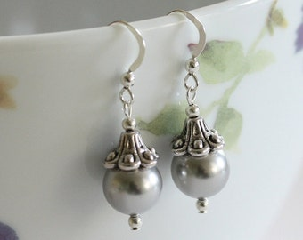 Pearl Drop Earrings,  Swarovski Pearl Earrings, Handmade Pearl Earrings, Large Pearl earrings, Large drop earrings, Bridesmaid Earrings