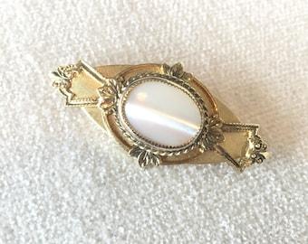 CLEARANCE SALE Vintage brooch