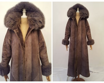 Off 10% Vintage sheepskin coat, eco suede / eco fur brown winter sheepskin coat, Natural fox fur trim, trapeze silhouette ,size S/М