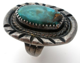 Vintage Turquoise Ring,Hand Wrought,Sterling Silver,Size 5,Green Gemstone,Turquoise Jewelry,925 Turquoise Rings,Vintage Rings