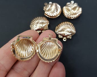 Shell Locket Non Tarnish Charm - Gold