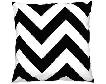 Cushion cover ZIPPY black white zigzag stripes 50 x 50 cm
