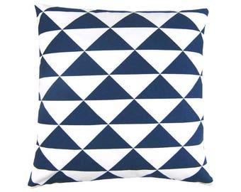 Cushion cover dimension white maritim graphically 40 x 40 cm blue triangles