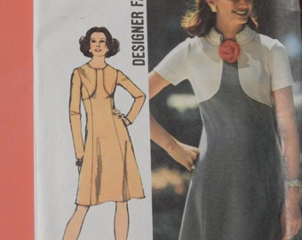 Simplicity 5400 Designer Fashion with interesting bodice detail Uncut Size 12