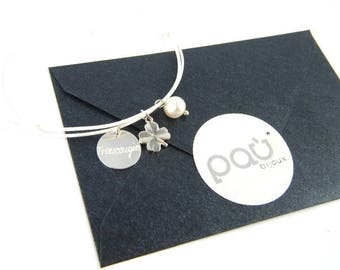 engraved BRACELET with a lucky clover and a pearl