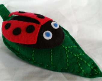 Ladybird pin cushion, ladybug pin cushion, felt pincushions, handmade gift, birthday gifts, sewing supplies, pins pincushions, mother's day