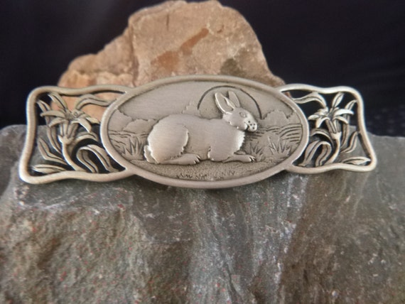 Easter Bunny with Spring Flowers Vintage Pewter Brooch Signed JJ (Jonette) | A Classic Timeless Style