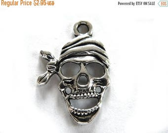 HALF PRICE 6 Large Silver Pirate Skulls - 1 1/8""