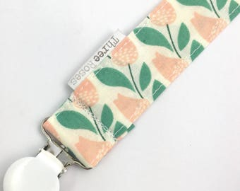 Peach green tulips l baby dummy clip | boho baby | vintage fabric | Baby pacifier clip | cotton Dummy Saver | fabic dummy clip | floral baby