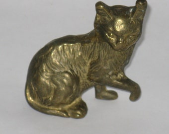 Vintage brass cat figurine made in Malaysia small miniature