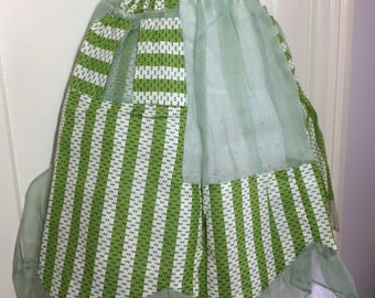 deadstock short half apron sheer green with white patterned stripes polished cotton ruffles 2 pockets scalloped design bowtie belt NOS #1