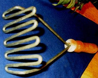 Vintage Potato Masher, Hand Potato Masher, Vintage Kitchen Tool, Country Cottage Kitchen, Antique Kitchen, Farmhouse Kitchen Wall hanging