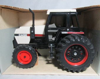 Case 3294 Tractor with Front wheel Assist Ertl 1/16 scale model #266 Die Cast metal
