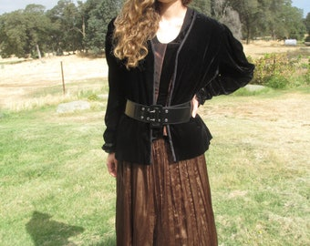 Pirate Costume - #4 - Extravagant - 6 Pieces Including Jacket - Corset - Black & Shinny Brown - Pirate Hat -  Beautiful Skirt- SIze 8