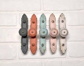 Shabby Chic Knob/Pull/Cabinet Knobs/Knobs/Drawer Pulls/Dresser Knobs/ Nursery Decor/Knobs/Nursery/Kitchen Cabinet/Cabinet
