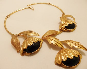 Brushed Gold Tone  Black Cabochon Vintage  Statement Necklace Signed Sonia Italy