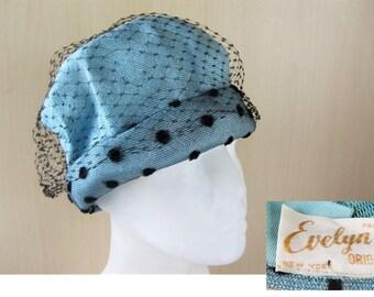Vintage 40s Designer EVELYN VARON Exclusive Chenille Spotted Baby Blue Shiny Cloche Pillbox Hat Veil Paris New York Label Parisian Designer