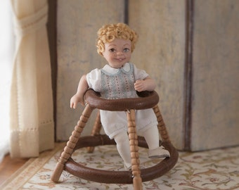 Child in articulated porcelain, white little bloomers dressed 1:12 scale (dollhouse). OOAK