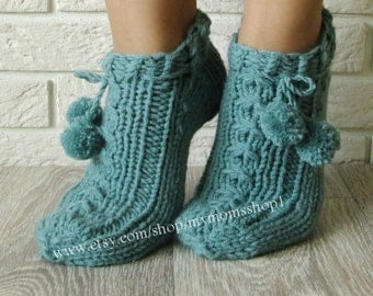 Home slippers socks. Green jade color slippers.  Knit slipper socks. Home shoes. Wool slippers. Hand knit booties. Handmade knitted slippers